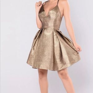 Dresses & Skirts - Metallic Gold Dress! Size 2 XL SEXY